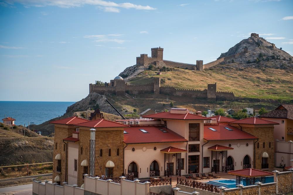 Отель в Судаке возле Генуэзской крепости